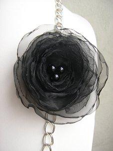 fleur dans Sautoirs