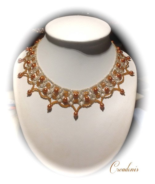 collier-two-tone-lacy-net