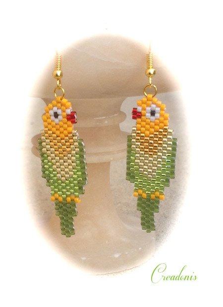 perroquets-en-brick-stitch